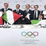 Milán, sede de los Juegos Olímpicos de Invierno 2026 - Representantes de la candidatura de Milán-Cortina. Foto de EFE/ Laurent Gillieron.