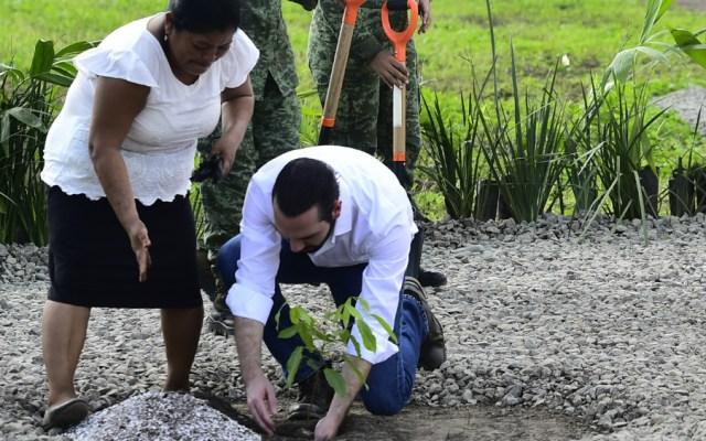Recursos de México para El Salvador saldrán de fondo aprobado por EPN - Foto de Notimex
