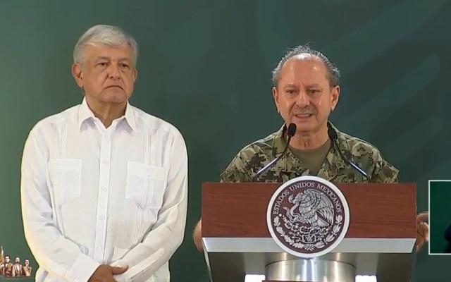 Gobierno descarta que el sargazo sea un problema; anuncian programa para combatirlo - Ojeda Durán y López Obrador. Captura de pantalla