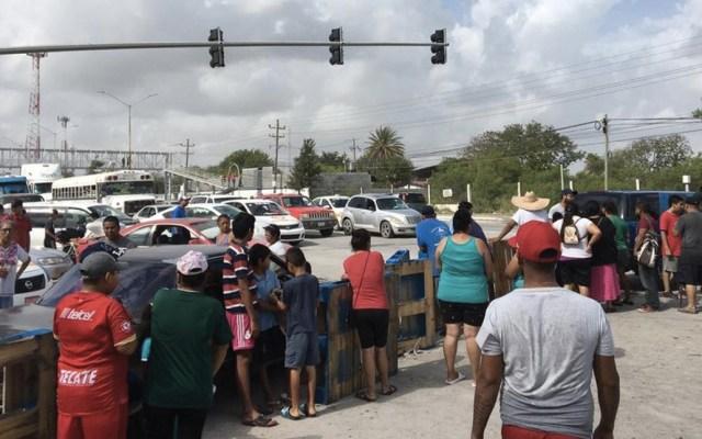 Afectados por lluvias en Reynosa bloquean carretera a San Fernando - Foto  de Milenio