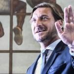 Totti anuncia su salida de la Roma - Totti deja la Roma