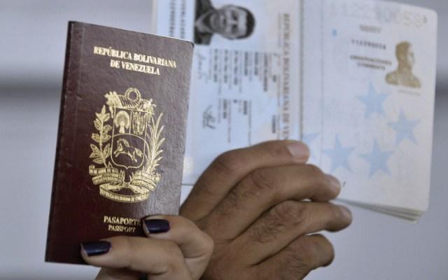 EE.UU. reconocerá pasaportes vencidos de venezolanos - Foto de BBC
