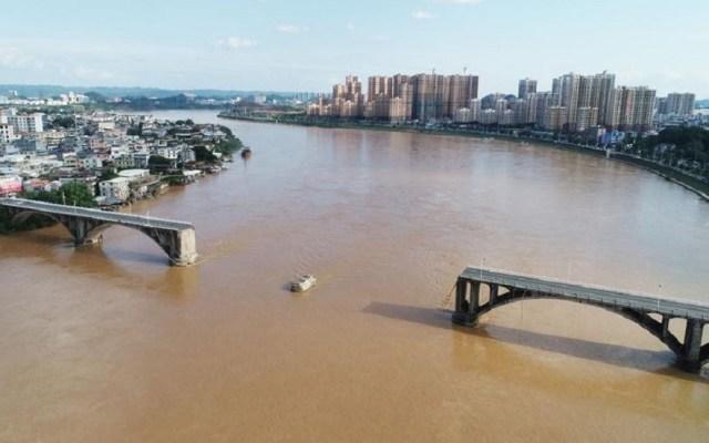 #Video Sección de puente vehicular colapsa en China - Vista aérea de puente colapsado en China. Foto de Xinhua Net