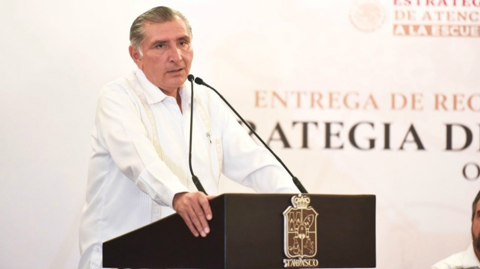 Entregan solicitud de licencia de Adán Augusto al Congreso de Tabasco - Ley Garrote