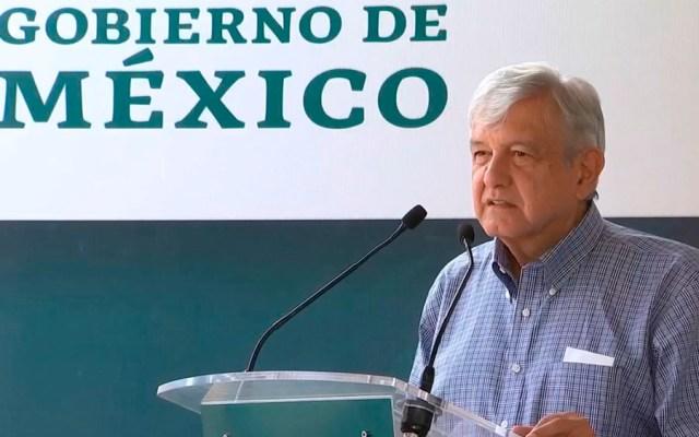 Faltan 123 mil médicos en México: López Obrador - amlo medicos villamar