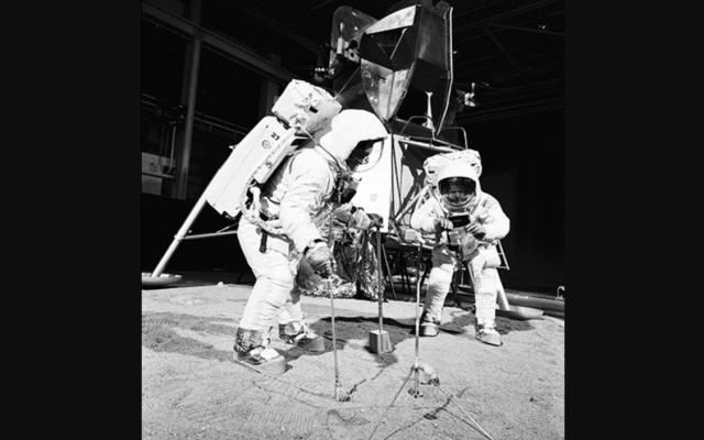 La conversación del Apollo 11 en el alunizaje - Luna