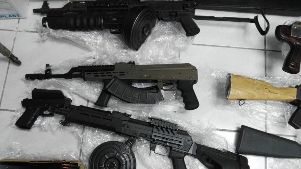Ebrard pidió a Pompeo operativos contra tráfico de armas - Decomiso de armas en Nogales. Foto de Notimex-Especial.