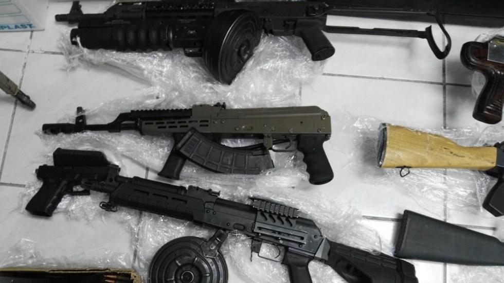 Se han destruido casi 20 mil armas en todo el país, asegura el general Luis Cresencio Sandoval - Decomiso de armas en Nogales. Foto de Notimex-Especial.