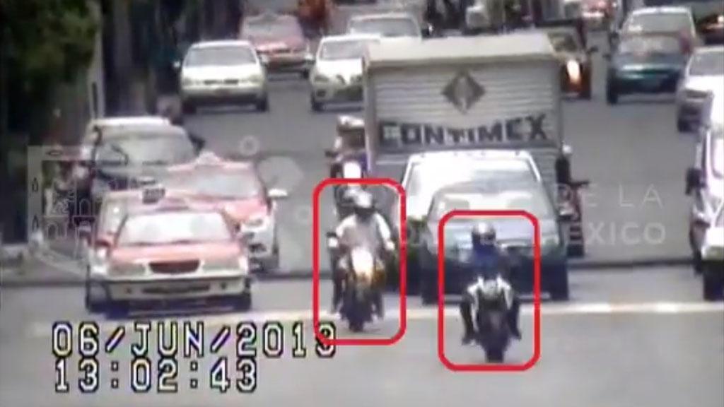 #Video Así detuvieron a tres asaltantes en moto en la CDMX. Noticias en tiempo real