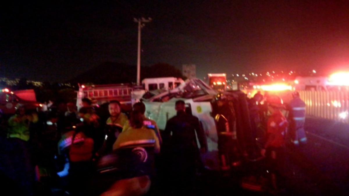 asalto y volcadura camioneta autopista méxico-puebla