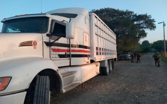 Aseguran 32 mil litros de combustible en Puebla y Veracruz - aseguran vehículos y combustible robado en puebla y veracruz