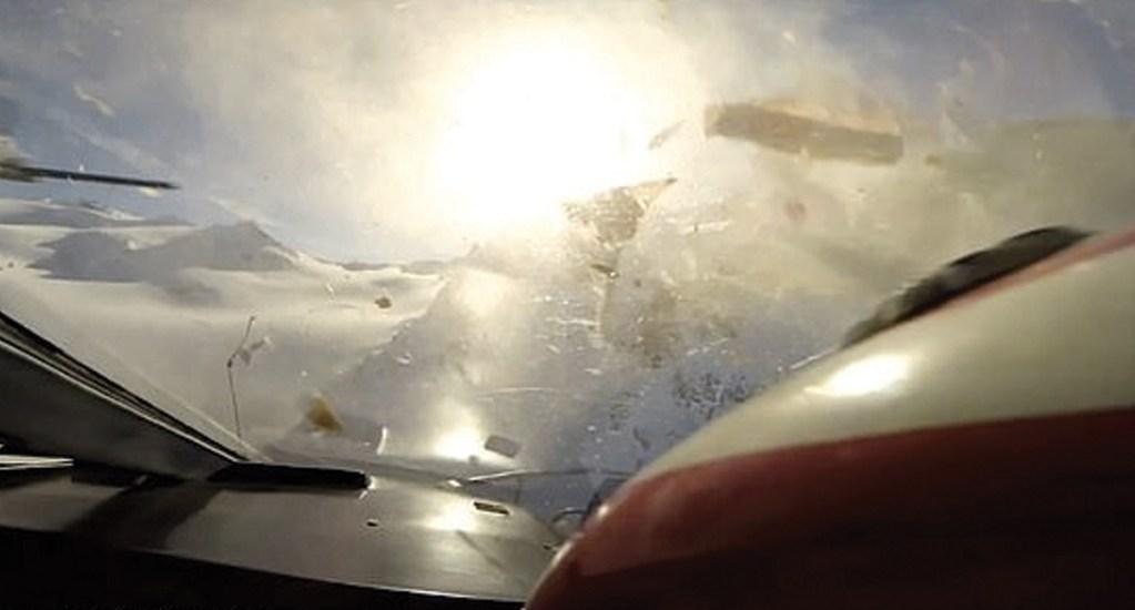 #Video GoPro capta momento de choque entre dos aeronaves en Los Alpes - Captura de pantalla