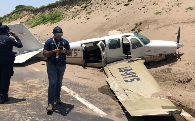 Aeronave aterriza de emergencia en autopista de Veracruz - Foto de Notimex