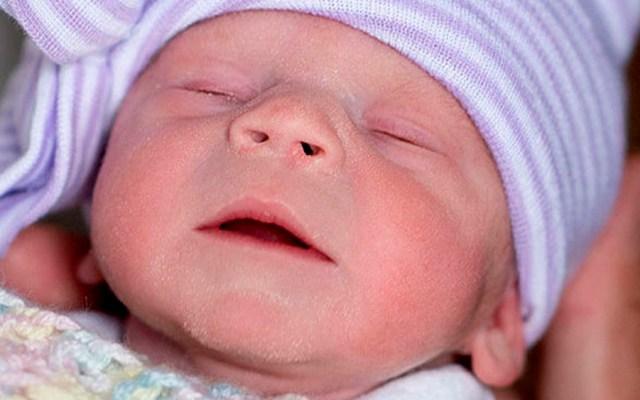 Nace bebé de útero trasplantado de donante en EE.UU. - bebé utero cleveland