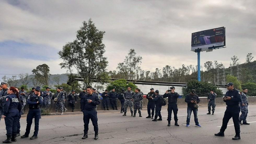 Los bloqueos de la Policía Federal en la Ciudad de México - Bloqueo de policías federales en la México-Pachuca. Foto de Twitter