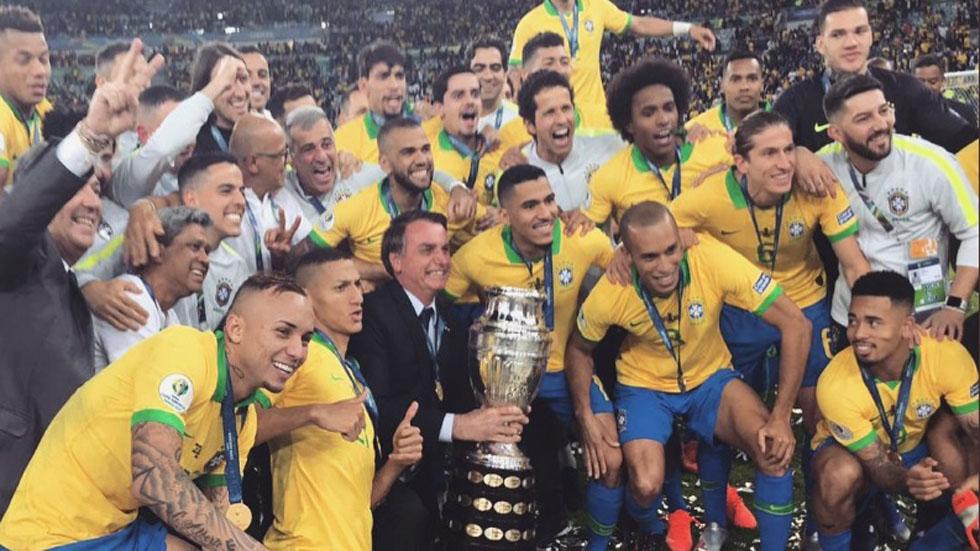 'Es un show': Bolsonaro desestima denuncia de Messi en Copa América. Noticias en tiempo real
