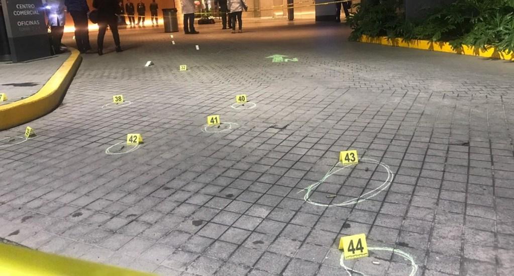 Imputan a 'La Güera' por asesinato a dos israelíes en Plaza Artz Pedregal - Casquillos percutidos en Plaza Artz Pedregal por crimen pasional. Foto Especial
