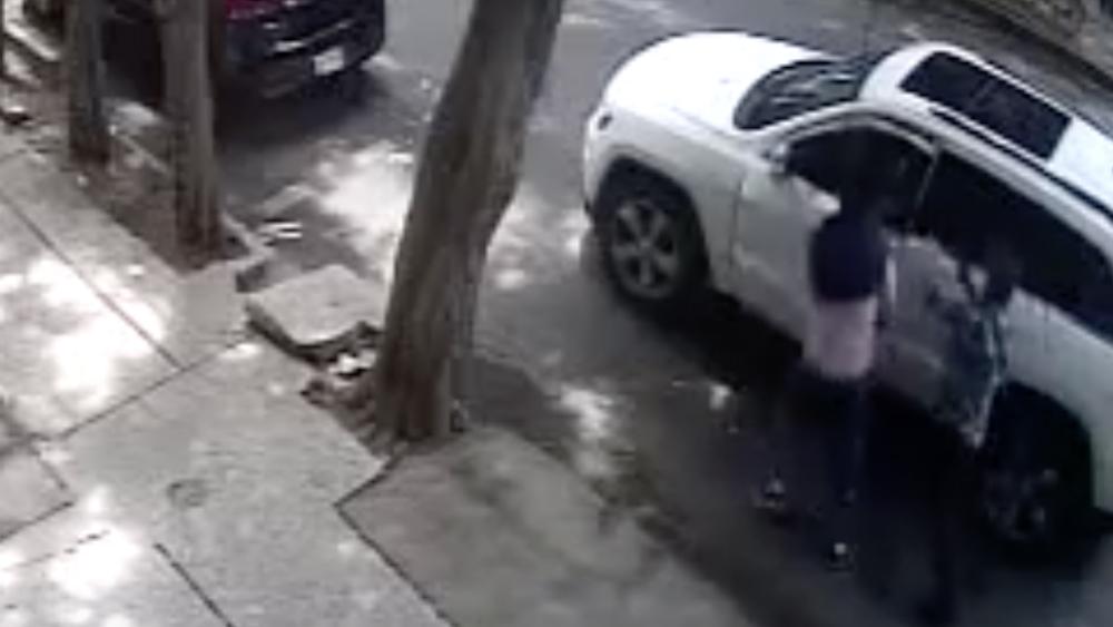 Captan otro asalto en la Condesa - Foto de captura de pantalla