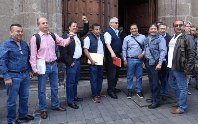 CNTE acuerda con gobierno reinstalación de 372 maestros destituidos - CNTE reunión López Obrador