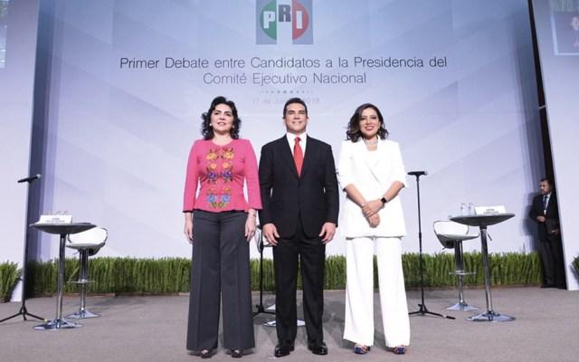 Fricciones en el primer debate entre aspirantes del PRI - Foto de @LaFuerzaDeQROO