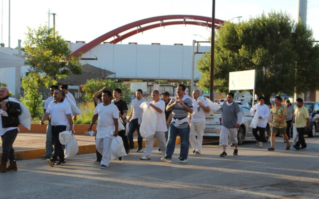Detectan inusual cifra de deportaciones de EE.UU. a México previo a redadas - Foto de EFE