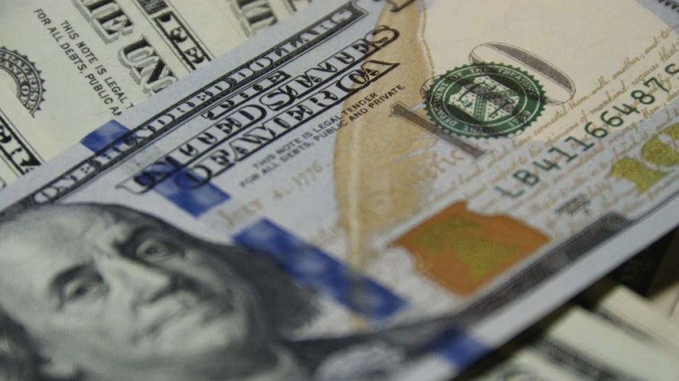 Dólar se deprecia 0.47 por ciento y cierra cotización en 19.07 pesos - Foto de Vladimir Solomyani @till_indeman