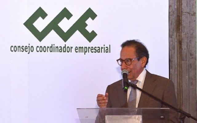 CCE alzará la voz si hay arbitrariedades contra empresarios - Carlos Salazar Lomelín, titular del CCE. Foto de @cceoficialmx