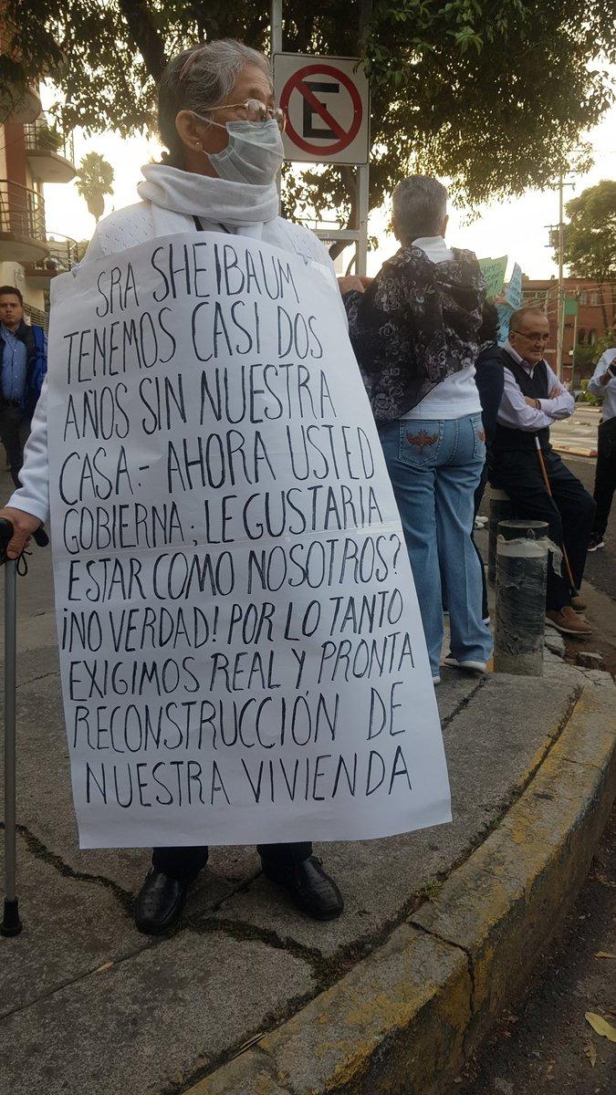 Exigencias de damnificados del 19S. Foto de @revistaetcetera