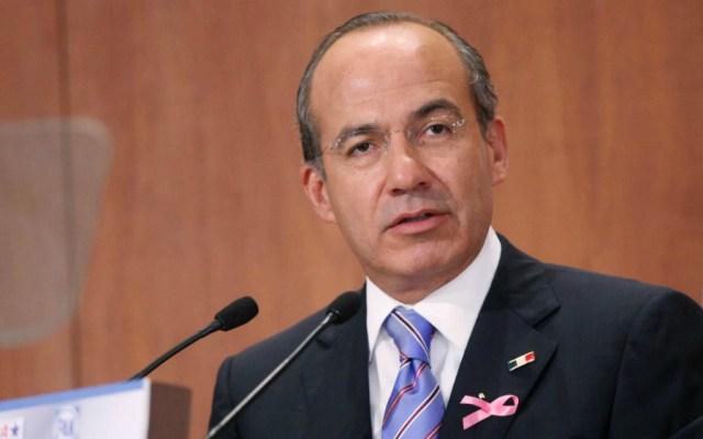 Calderón difunde documento del SAT que confirma cumplimiento en declaraciones - Foto de Felipe Calderón