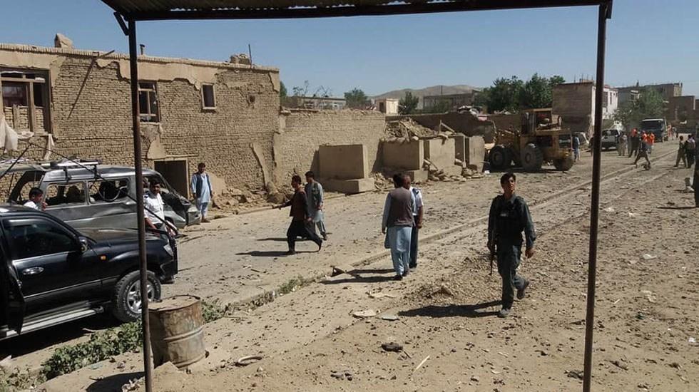 Explosión de coche bomba deja 12 muertos en Afganistán - Provincia de Ghazni. Foto de Ariana News