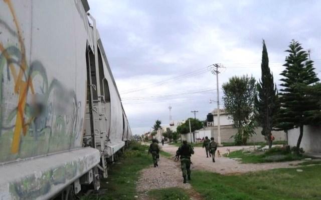 Guardia Nacional impide robo a tren de cemento en Puebla - Guardia Nacional frustra asalto a tren. Foto de @Guiesga