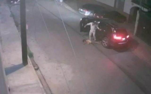 Detienen a hombre que golpeó a mujer hasta dejarla inconsciente - hombre golpea mujer en Coahuila