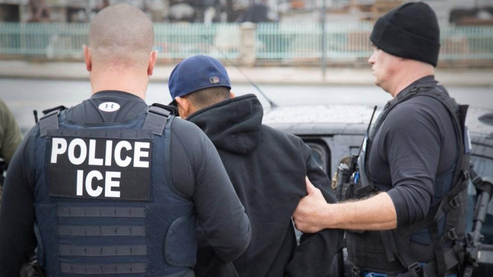Cadena hotelera indemnizará a clientes por entregar información a ICE - ICE Oficiales Policías Estados Unidos Mexicanos migrantes