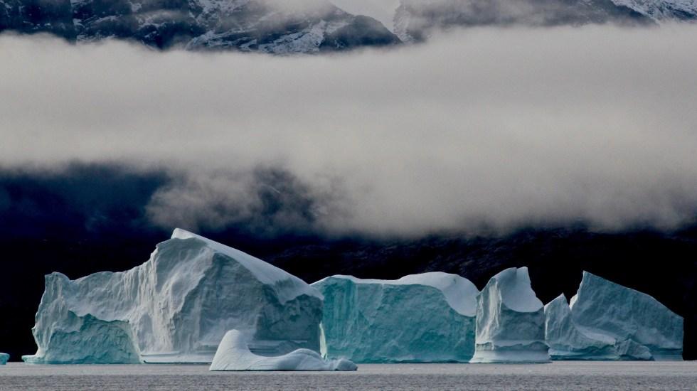 Ola de calor en Europa amenaza hielo de Groenlandia - Icebergs en Groenlandia. Foto de Alexandra Rose / Unsplash.