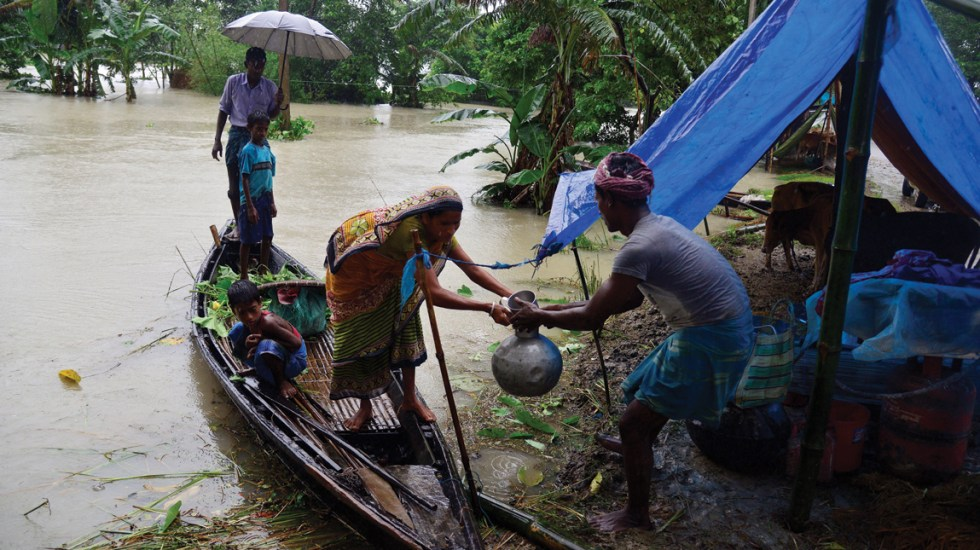 Inundaciones provocan la muerte de al menos 200 personas en India, Nepal y Bangladesh - Foto de EFE