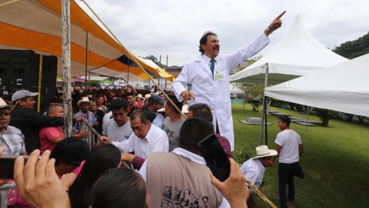 Exdirector de Coneval responde a AMLO ganaba casi 92 mil pesos