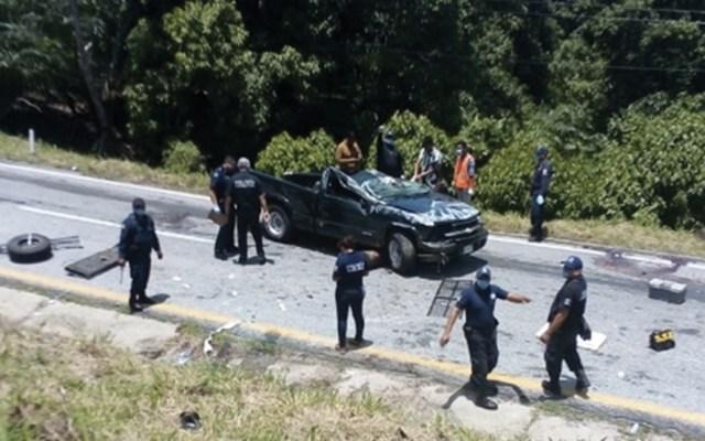 Accidente entre tráiler y camioneta deja cuatro muertos en Chiapas - Foto de @ElHeraldodeChis