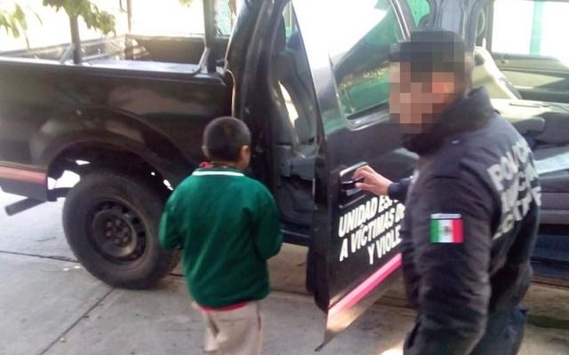 Rescatan a adolescente encadenado del cuello en Ecatepec - Menor encadenado por su abuela. Foto de Gobierno de Ecatepec de Morelos