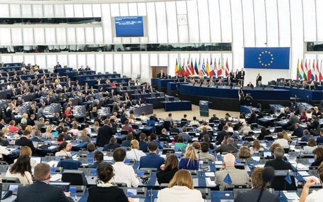 Parlamento Europeo denuncia política migratoria de EE.UU. - Foto de @Europarl_ES