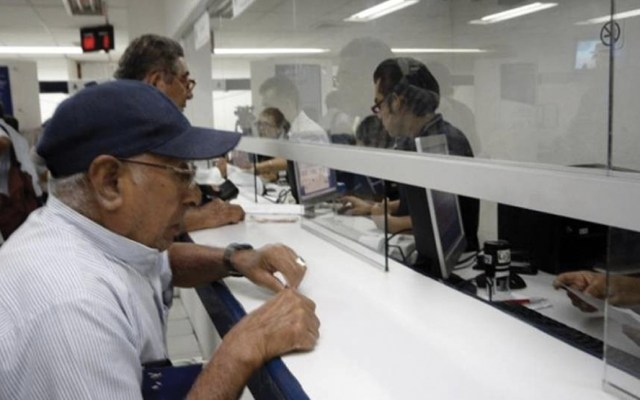 López Obrador busca elevar a rango constitucional pensiones en México - Pensión a adultos mayores