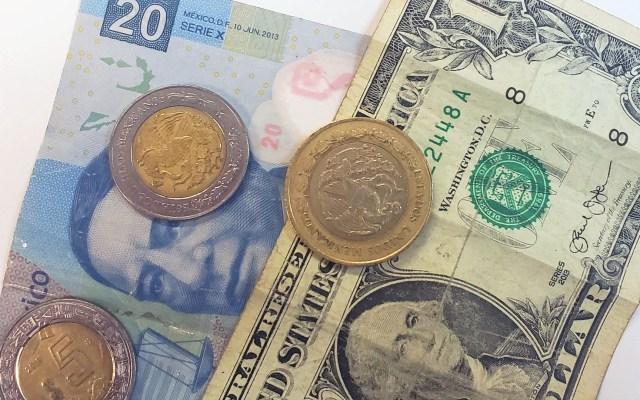 Peso inicia jornada con depreciación - Peso dólar dólares tipo de cambio moneda billetes dinero