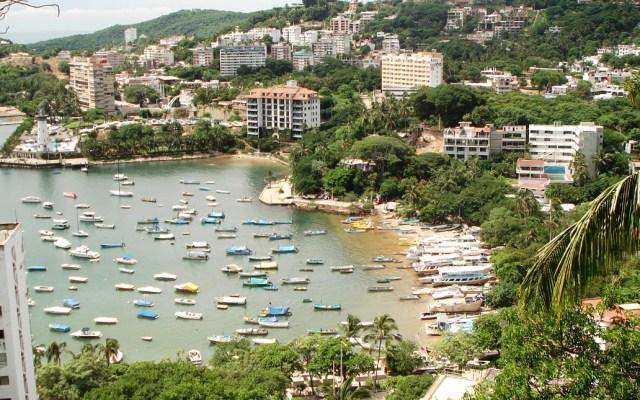 Aptas para uso recreativo playas Manzanillo y Hornos en Acapulco - playa