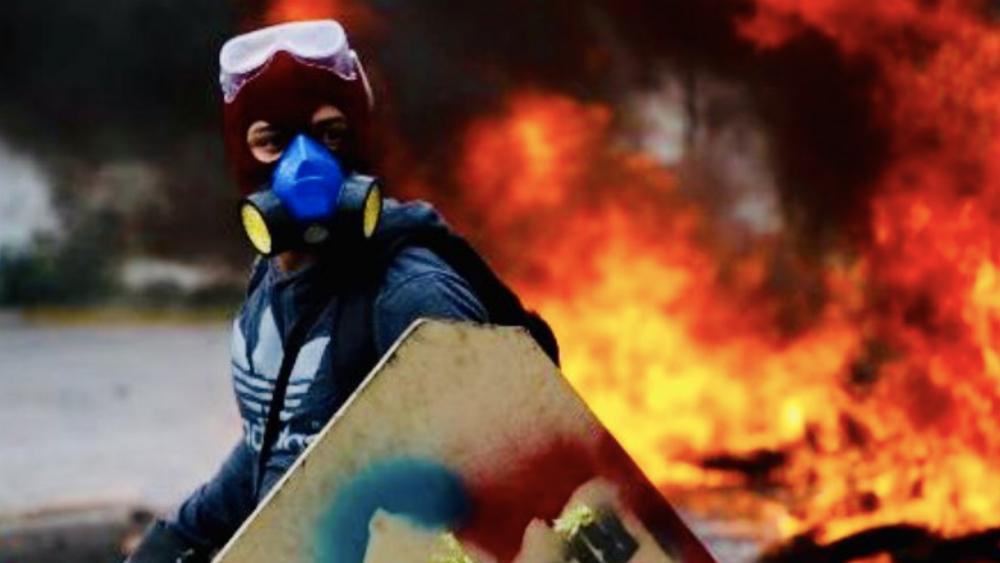 Detienen en España a venezolano acusado de quemar vivo a protestante