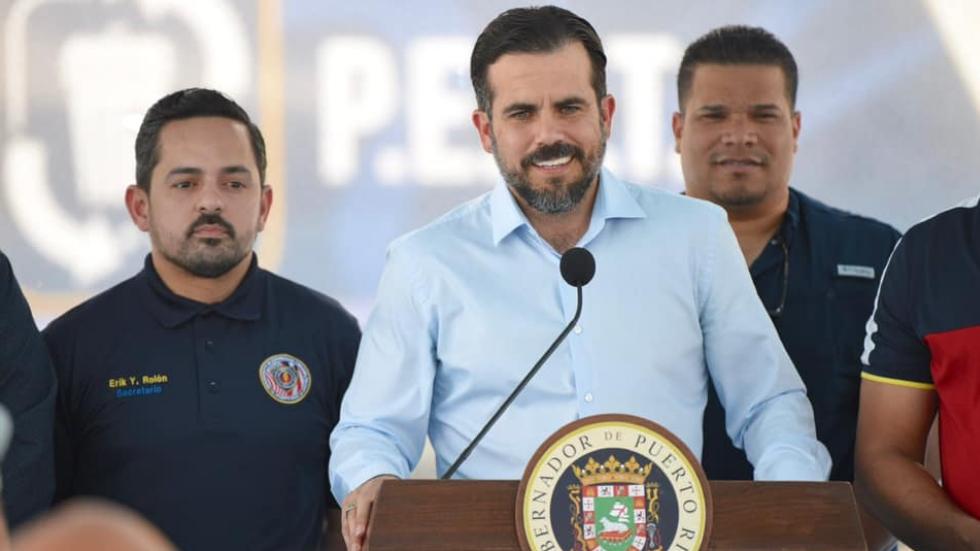 Gobernador de Puerto Rico acepta juicio político. Noticias en tiempo real
