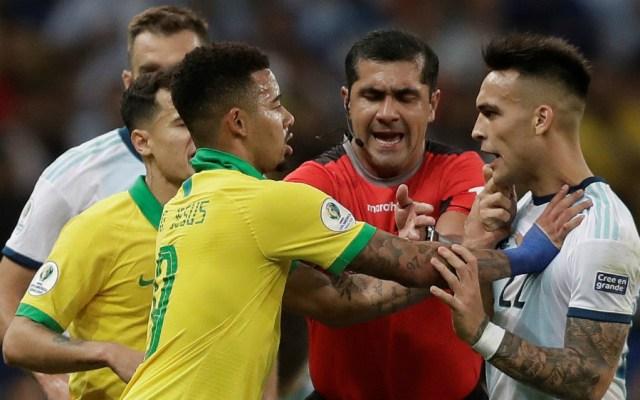 Comisión de Árbitros de Conmebol admite mal uso de VAR en el Brasil-Argentina - Conmebol