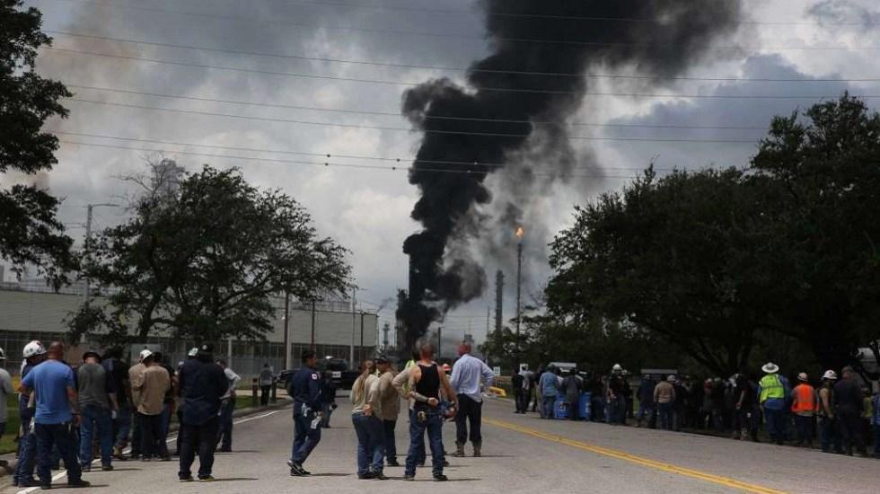 Explosión en refinería de Texas deja 37 heridos - Trabajadores de la planta de olefinas. Foto de Yi-Chin Lee / Chron