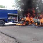 Saquean e incendian vehículos en Chiapas que transportaban mercancías