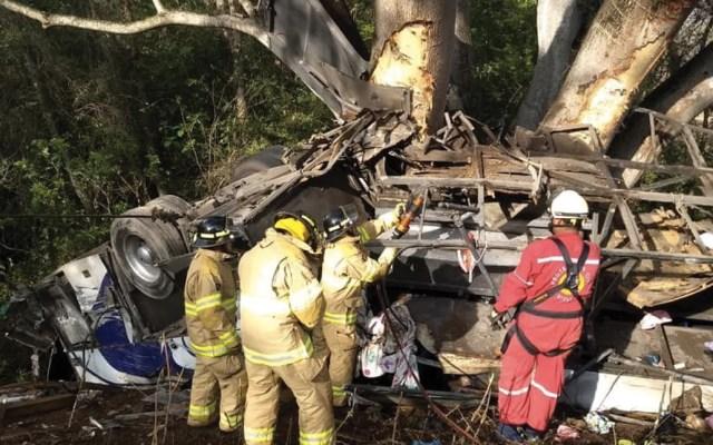 Volcadura de autobús deja ocho muertos y 20 heridos en Nayarit - Foto de Quadratín