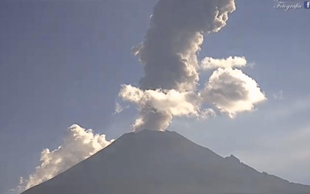 Nueva emisión de ceniza del volcán Popocatépetl - Foto de Webcams de México