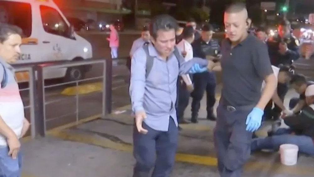 Riña tras marcha feminista deja varios lesionados en Metro Cuauhtémoc. Noticias en tiempo real